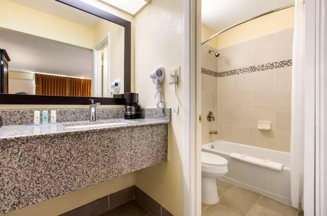 DDbathroom