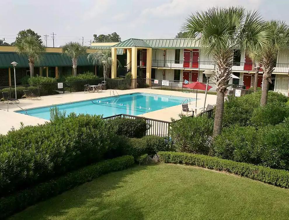 Whitten pool2